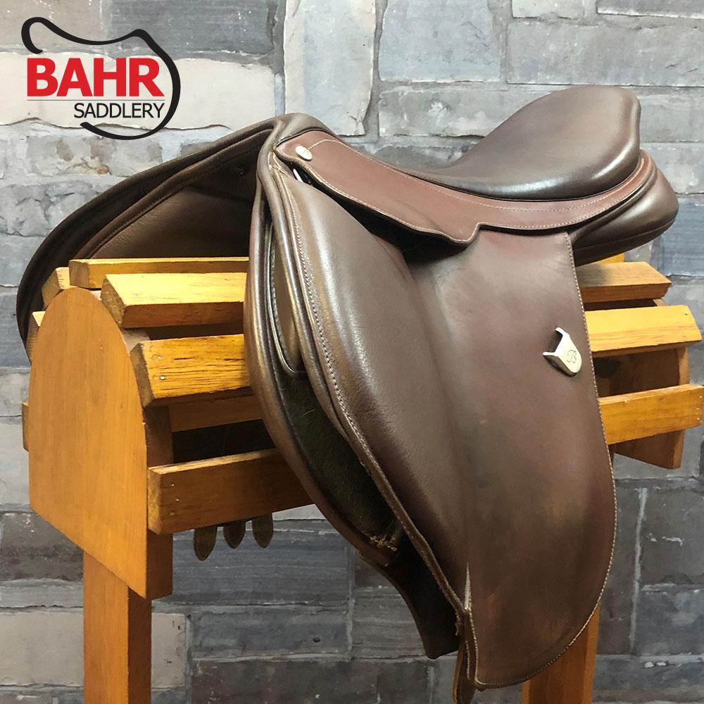 "Used 16.5"" Bates Caprilli CAIR Adjustable Close Contact Saddle"