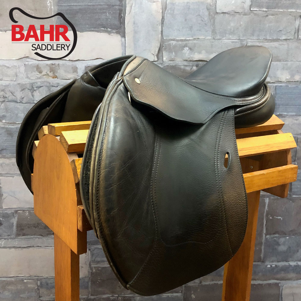"""Used 16.5"""" Schleese Jump Close Contact Saddle"""